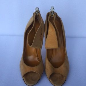 GUCCI  orange suede high heels SZ 6.5 B